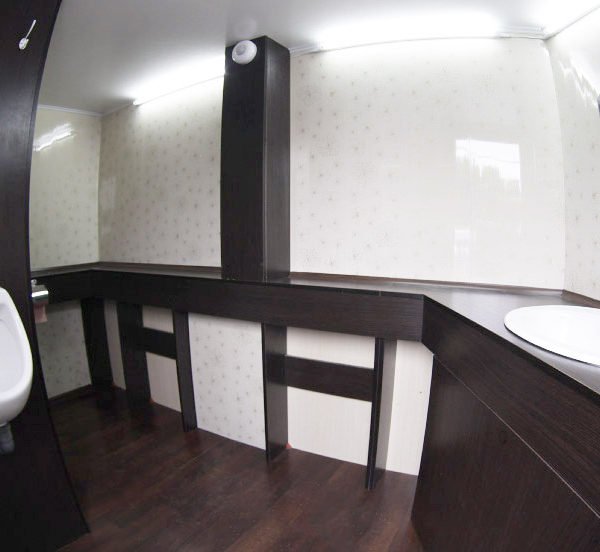 Мобильные туалеты при тентовых конструкциях и шатрах